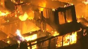 Enorme incendio de un apartamento en Nueva Jersey (video)
