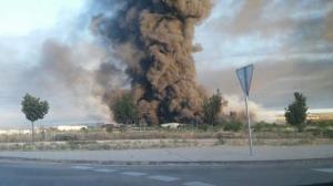 Incendio en una nave con productos químicos en Chiloeches (Guadalajara)