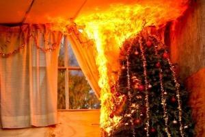 Ejemplos de Incendios originados en el árbol de Navidad