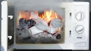 Consejos para no provocar un incendio con el micro ondas