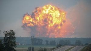 Incendio en un deposito de municiones en Ucrania