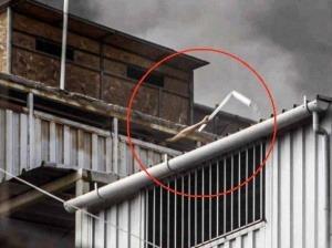 Así quedó atrapado este trabajador en un incendio (Video)